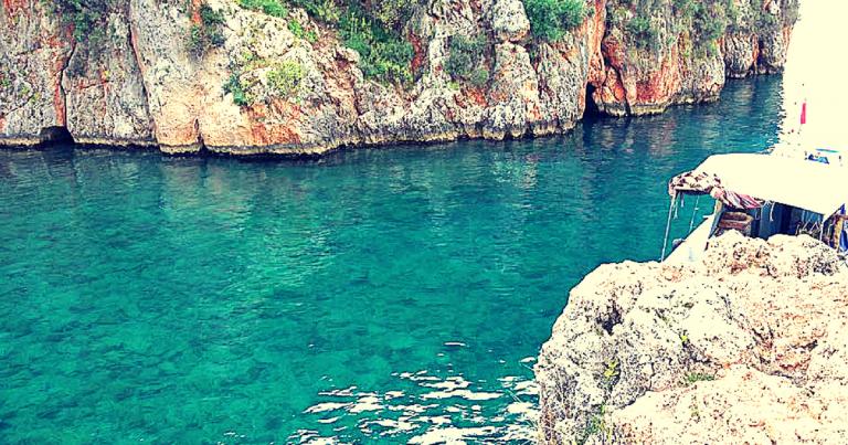 Piratenbucht (Korsan Koyu) Sonnenuntergang im natürlichen Umfeld von Antalya