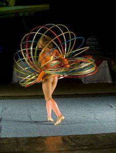 Delphin Hotel'de daha başka yerde izleyemeyeceğiniz akrobatik danslar, turizmde gelinin noktayı bizlere kanıtlıyor.