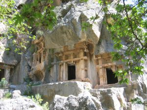 Pinara Antik Kenti Anıt Mezarları