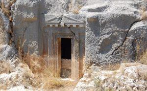 Myra Antik Kenti kaya mezarları