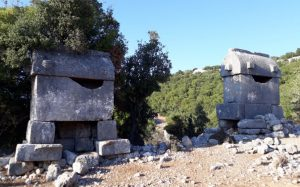 Kyaenai Antik Kenti'nin Likya tipli lahitleri.
