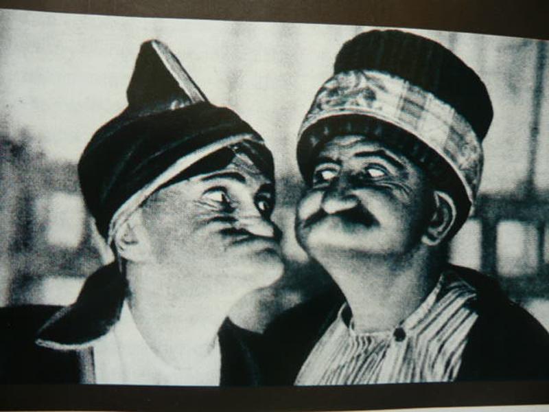 Perdeden Sahneye Geleneksel Türk Tiyatrosu