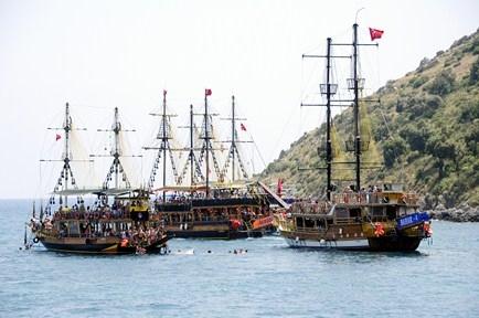 Pamfilya Korsanları (İ.Ö. 180-65) / Antalya