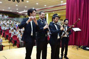 Anadolu Nefesli Beşlisi 638 öğrenci ile Çanakkale türküsüne klip çekti.