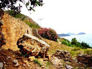 İotape Antik Kenti sırtları.