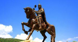 Sultan Alaaddin Keykubat (Alanya'nın girişindeki heykeli)