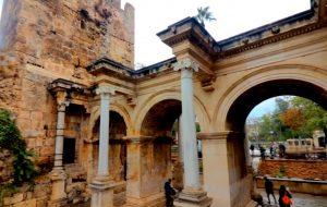 Hadrian Kapısı Antalya