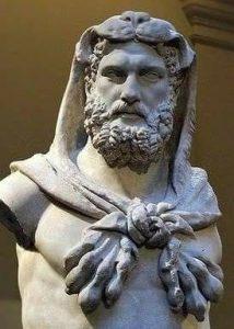 Nemea aslanın postunu giyen Herakles heykeli. Roma dönemine ait bu eser Metropoliten Müzesi'nde sergilenmektedir.
