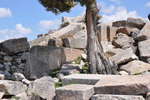 İsaura Antik Kenti'nin birbiri üstüne yığılmış taşları size bir şeyler söylüyor mu?