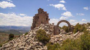 İsauria Antik Kenti'nin mimari yapısı, bugünün mimarisi için de esinlenebileceğimiz değerde. Taş işçiliğine dikkat!